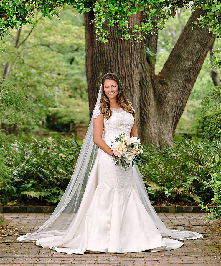 Bridal Portrait at the Lace House in Columbia, SC.