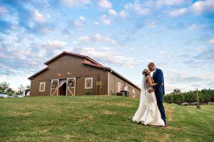 Ashlye & Josh – Fun Wedding at The Ole Oak Barn